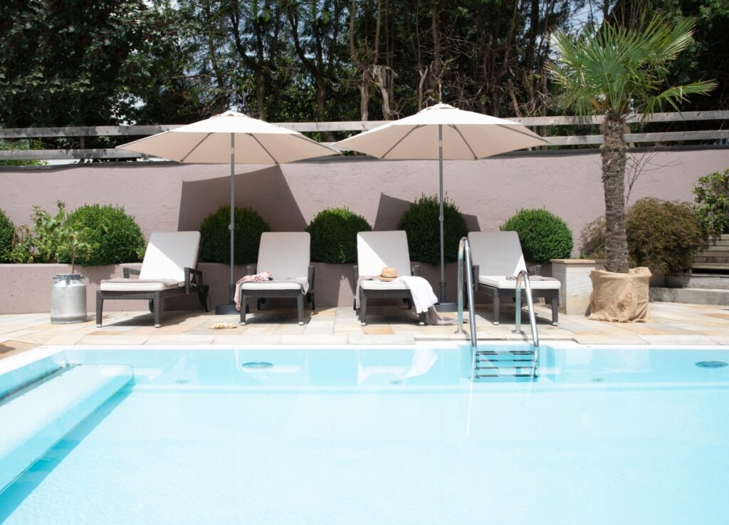 swimming pool outdoor hotel